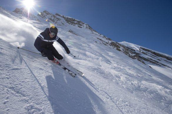 Antoine Dénériaz lance sa propre marque de ski et d'accessoires