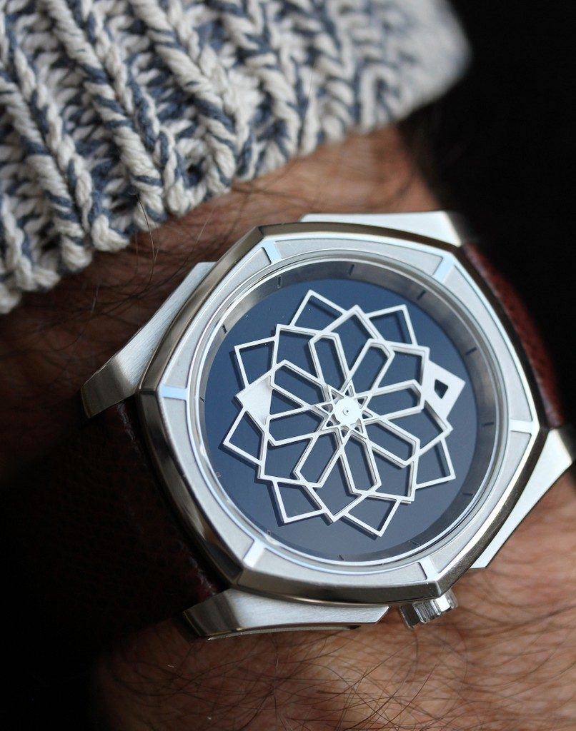 MUSE - Swiss art watches TANOURA 44 Onyx - Titane