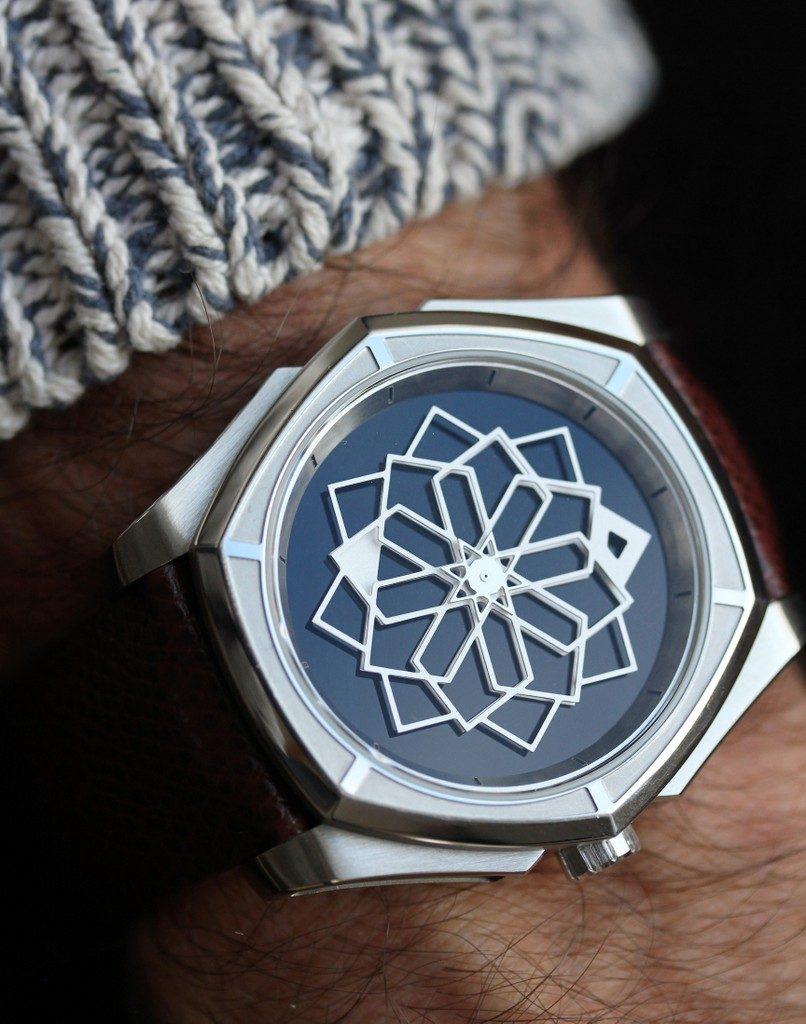 MUSE - Swiss art watches TANOURA 44 Onyx - Titane