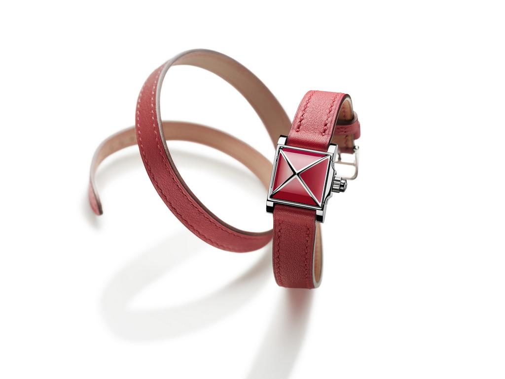 La montre Hermès Médor Rock se veut rebelle et élégante