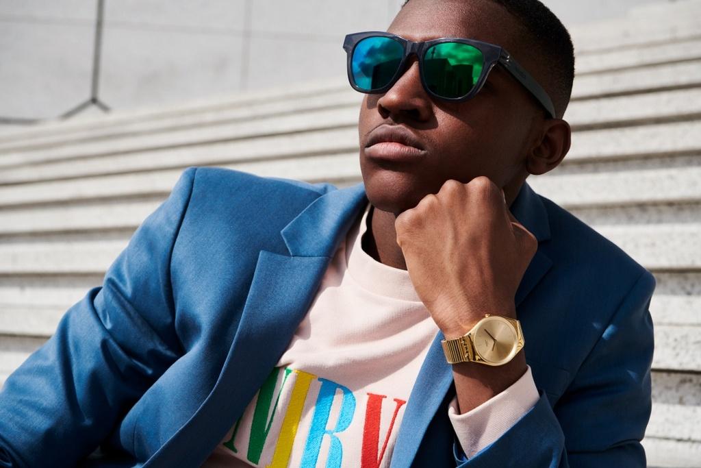 afc782b10b808e Swatch présente sa nouvelle collection de lunettes de soleil The Eyes