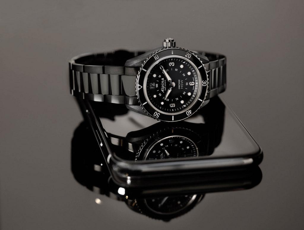 La collection Comtesse Horological Smartwatch d'Alpina s'enrichit