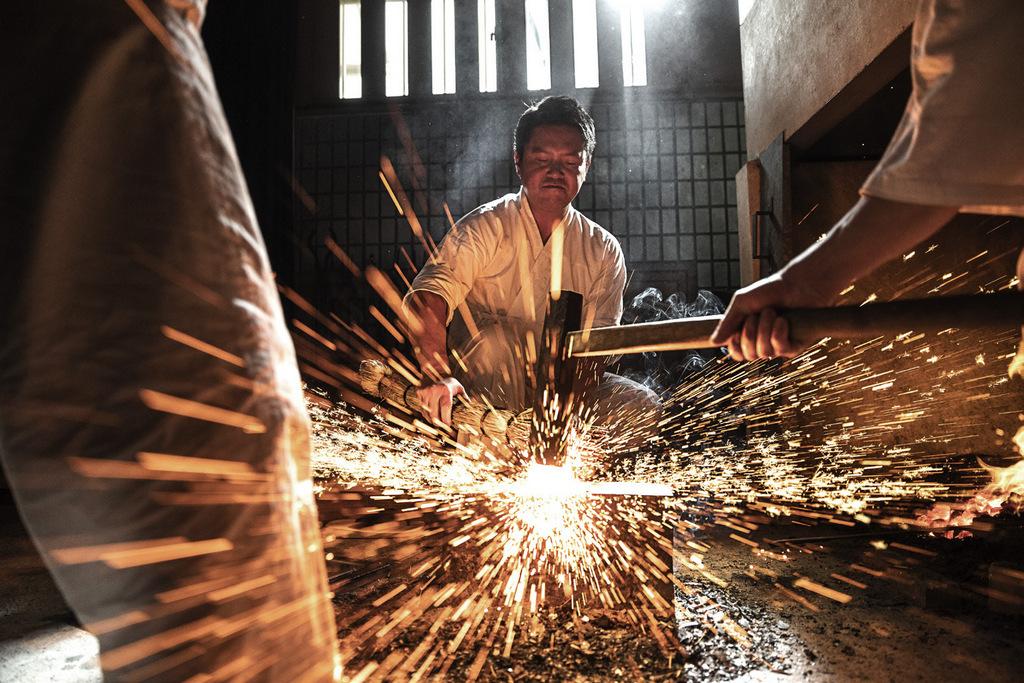G-SHOCK MR-G conçue dans la tradition des forgerons japonais Gassan