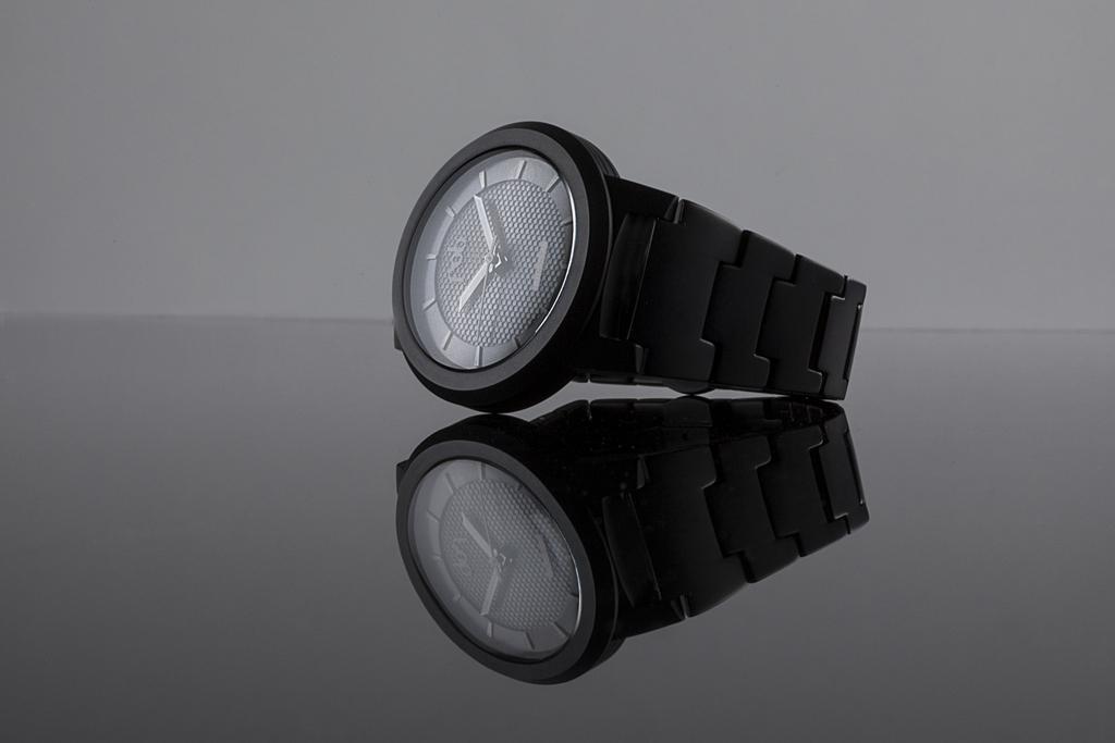 RS-0, la nouvelle montre de la collection RED SOLAR par FOB PARIS