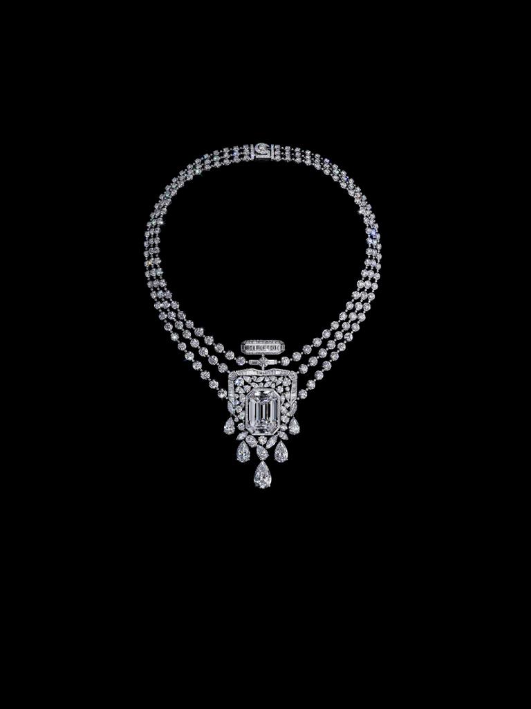 Ode magistrale au parfum N°5, le collier Chanel 55.55