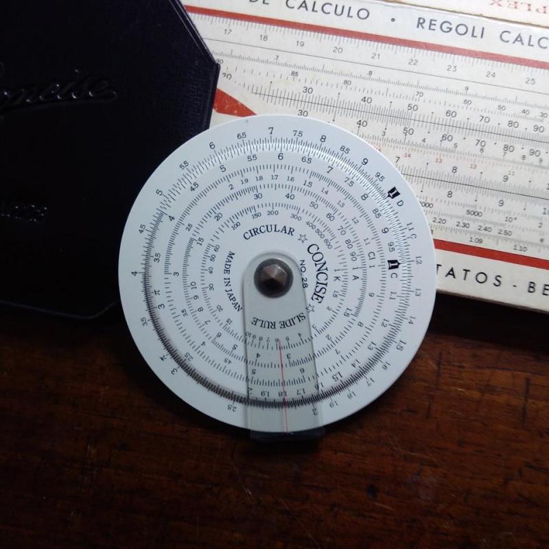 La règle à calcul circulaire, à l'origine de la Klok-01